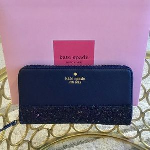 🛍🔥HOT SALE🔥🛍Kate Spade Continental Wallet